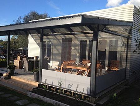 outdoor_restaurant cafe bistro blinds